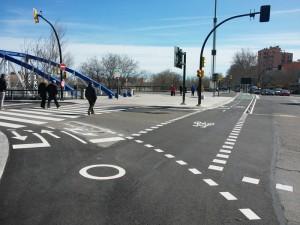 Nuevos carriles bici en el Puente del Pilar