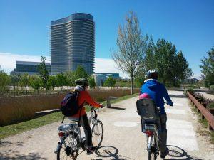 Bicicletas eléctricas en el Parque del Agua